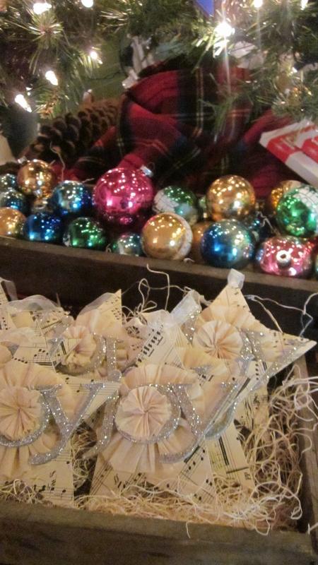 Shop Christmas 059 (450x800)